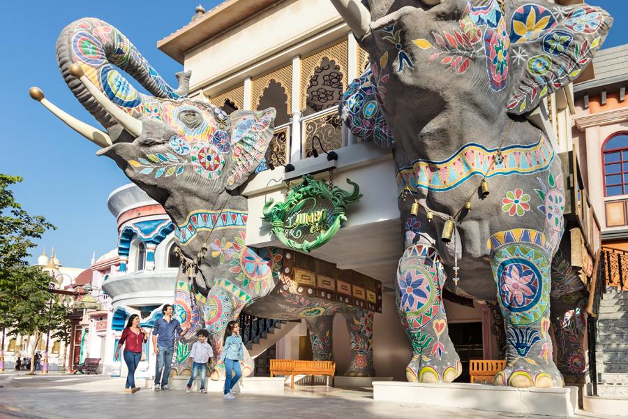Слоны в Bollywood Parks