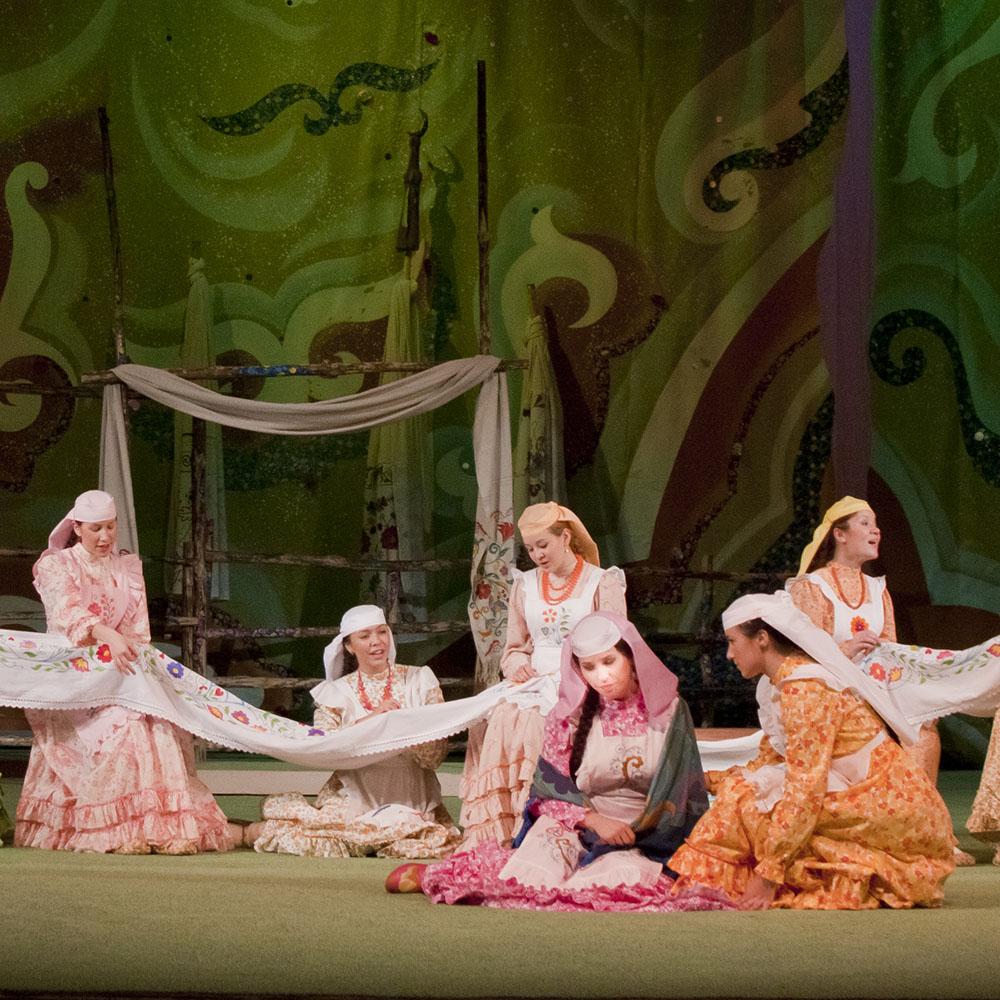 Театр им. Г. Камала в Казани, сцена из спектакля
