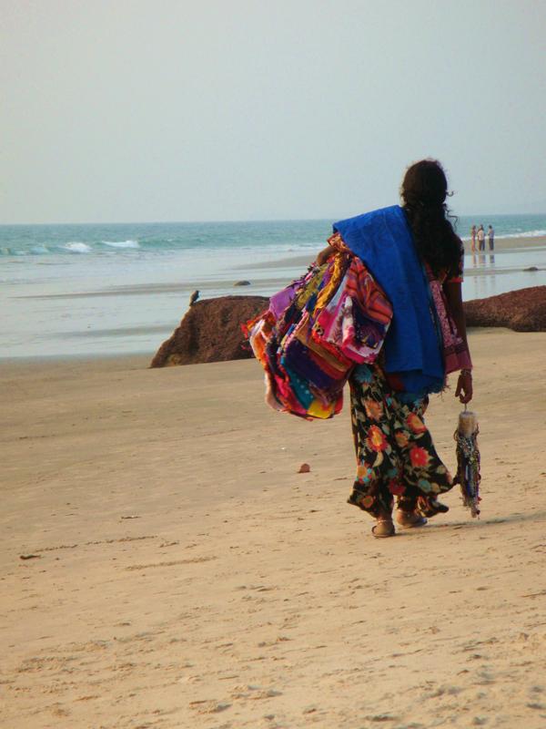 Торговцы на пляже Ашвем