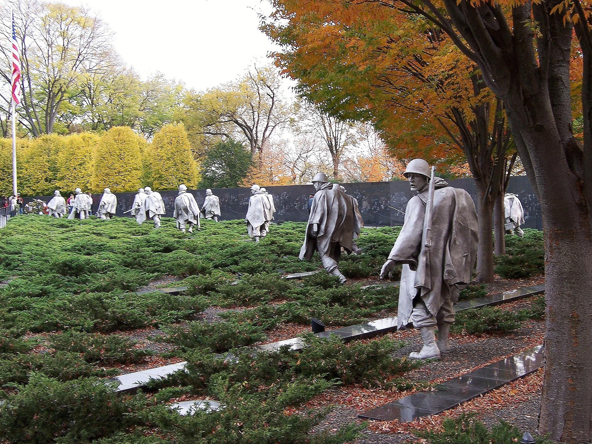 Военный мемориал Республики Корея, скульптуры