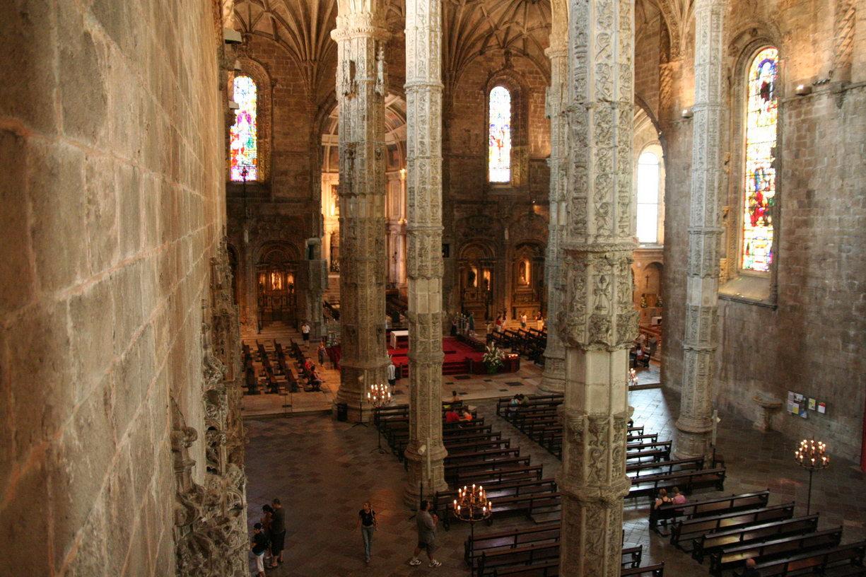 Внутри монастыря Жеронимуш, Лиссабон
