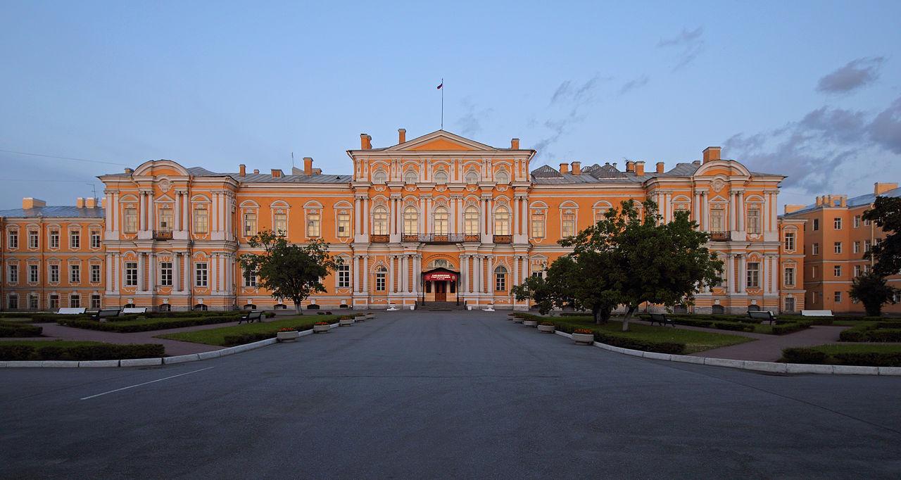 Воронцовский дворец в Санкт-Петербурге, вечер