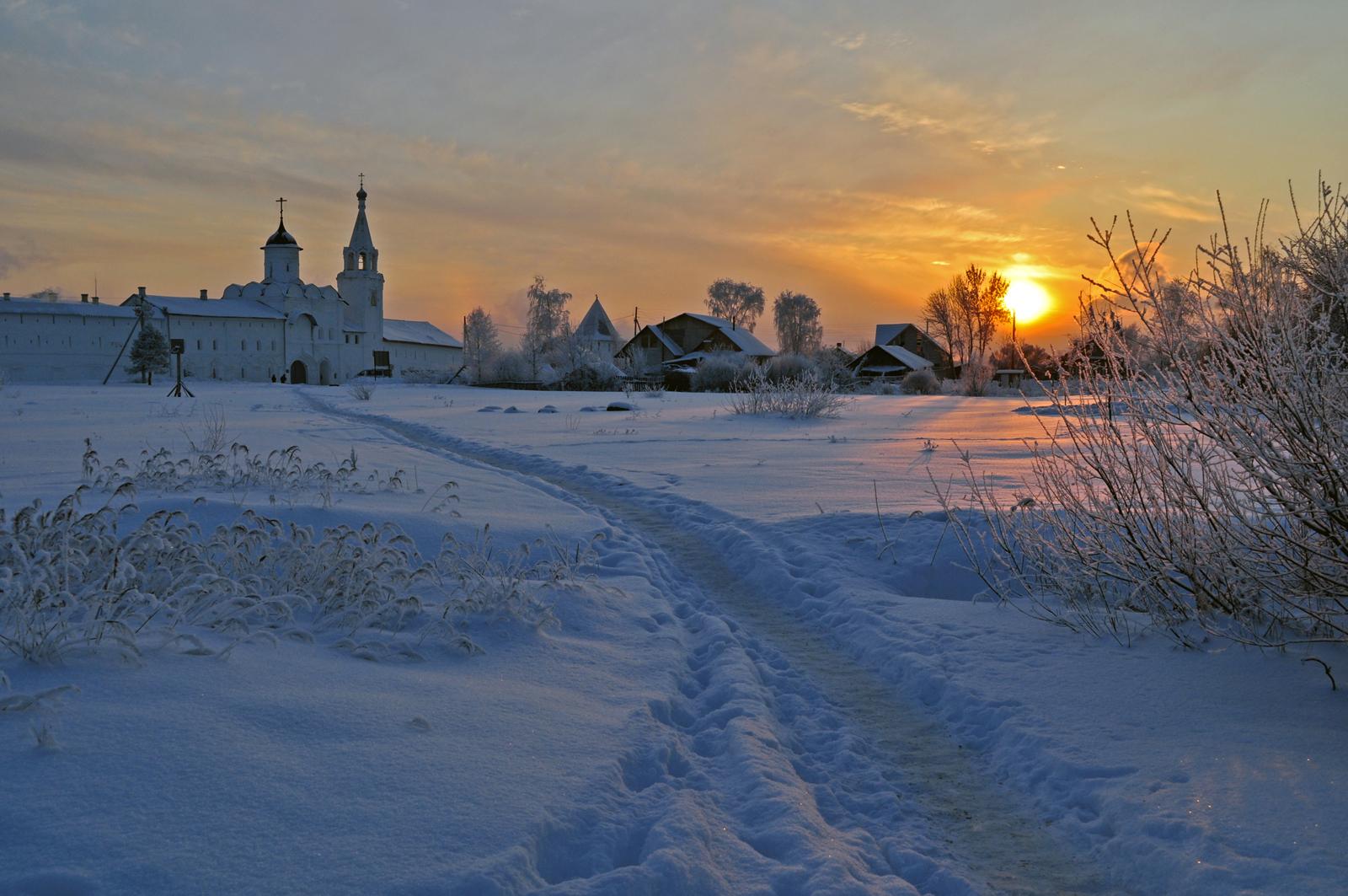 Ансамбль Спасо-Прилукского монастыря, дорога к храму