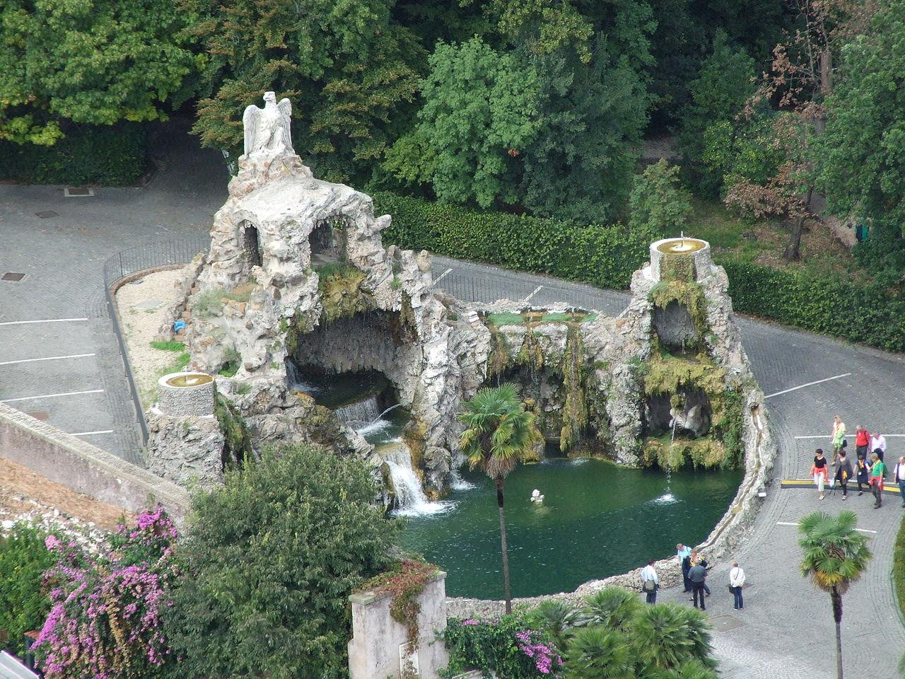 Ватиканские сады, Фонтан орла