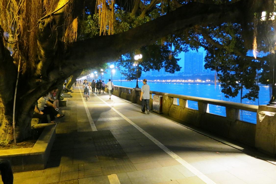 Жемчужная река в Гуанчжоу, пешеходная зона