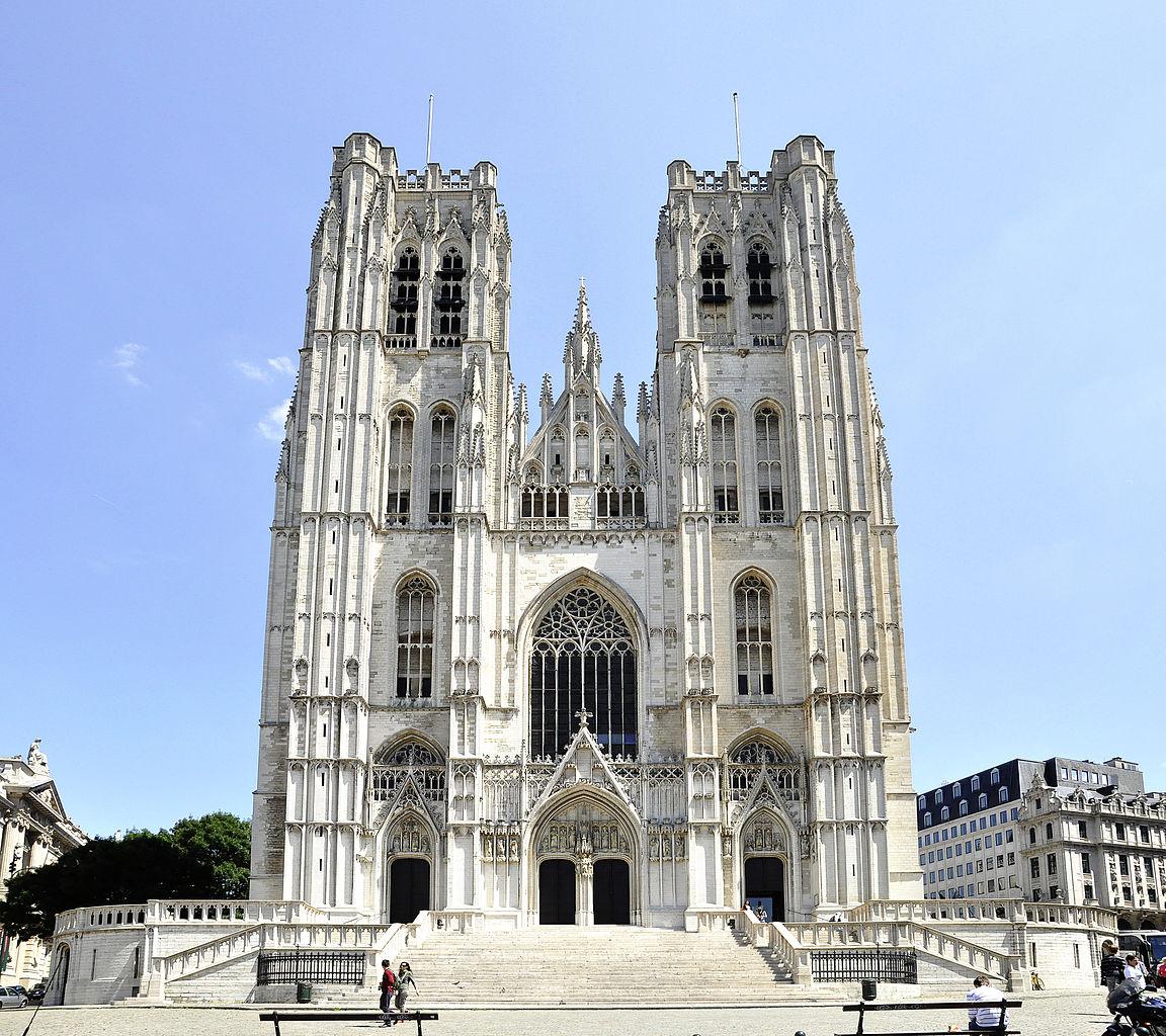 Собор Св. Михаила в Брюсселе, фасад