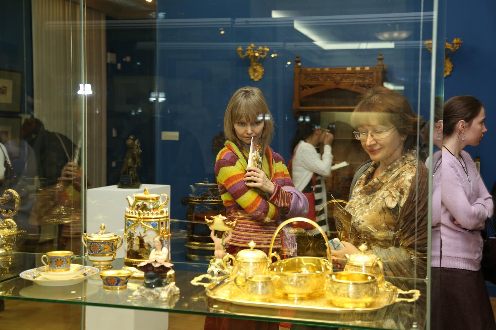 Центр «Эрмитаж-Казань», коллекция посуды