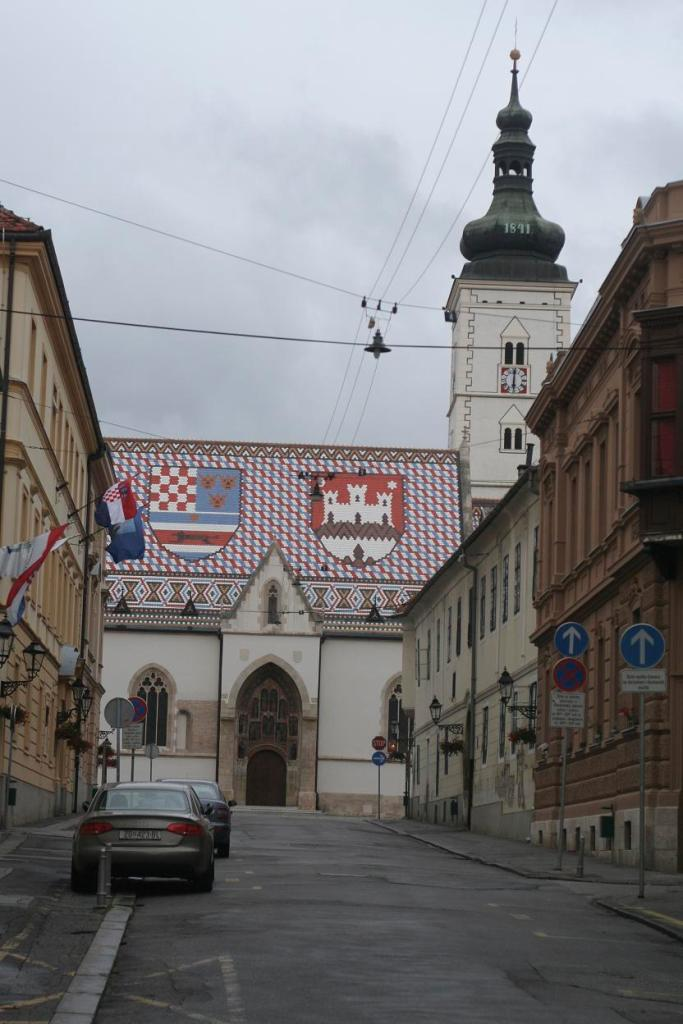 Церковь Святого Марка, Загреб.JPG