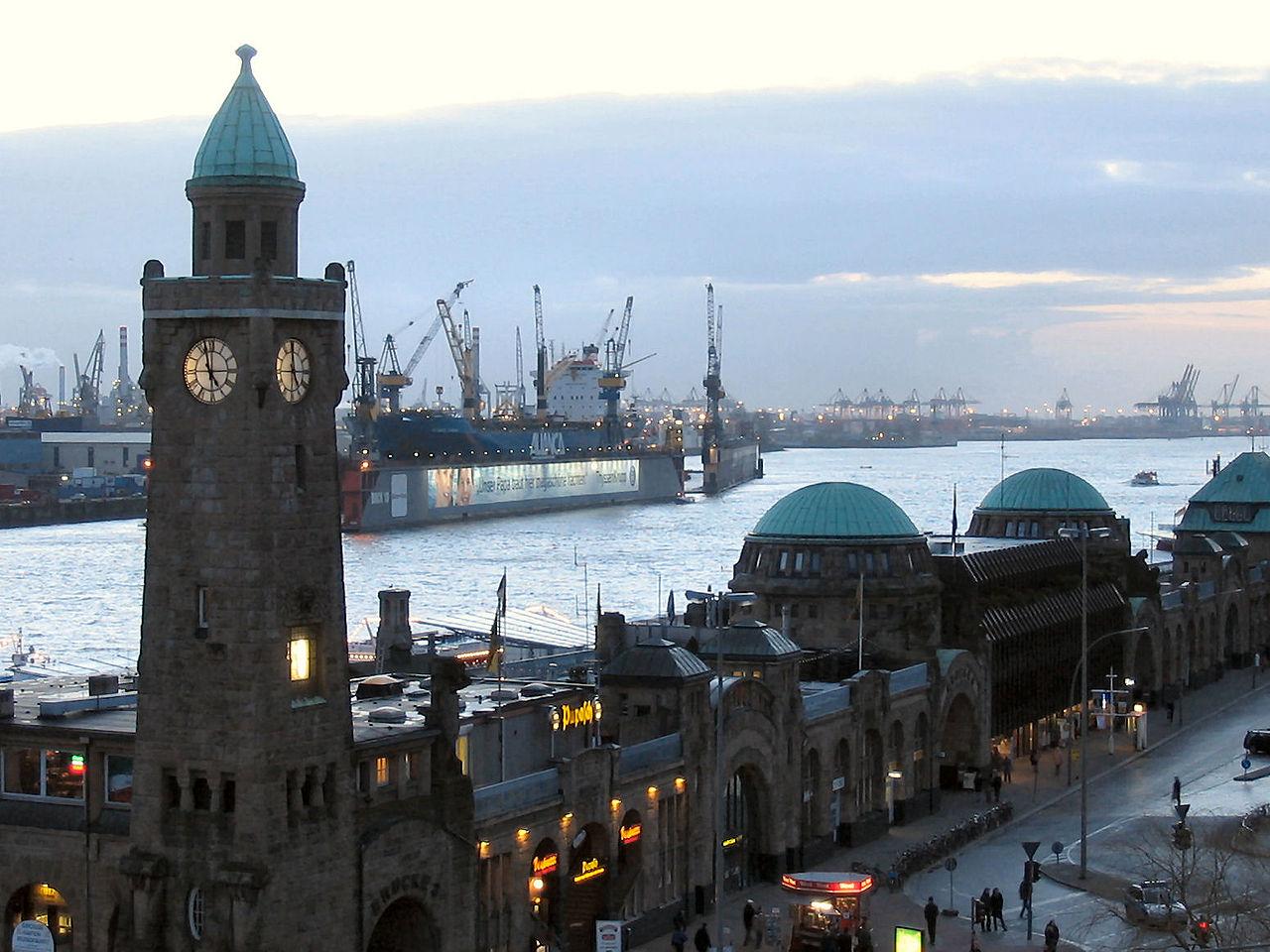 Порт Гамбурга, морской вокзал