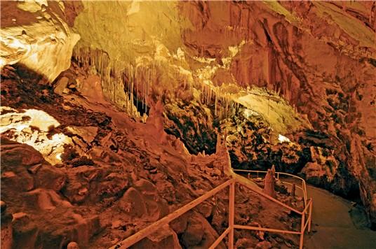 Гомбасецкая пещера, Словакия.jpeg