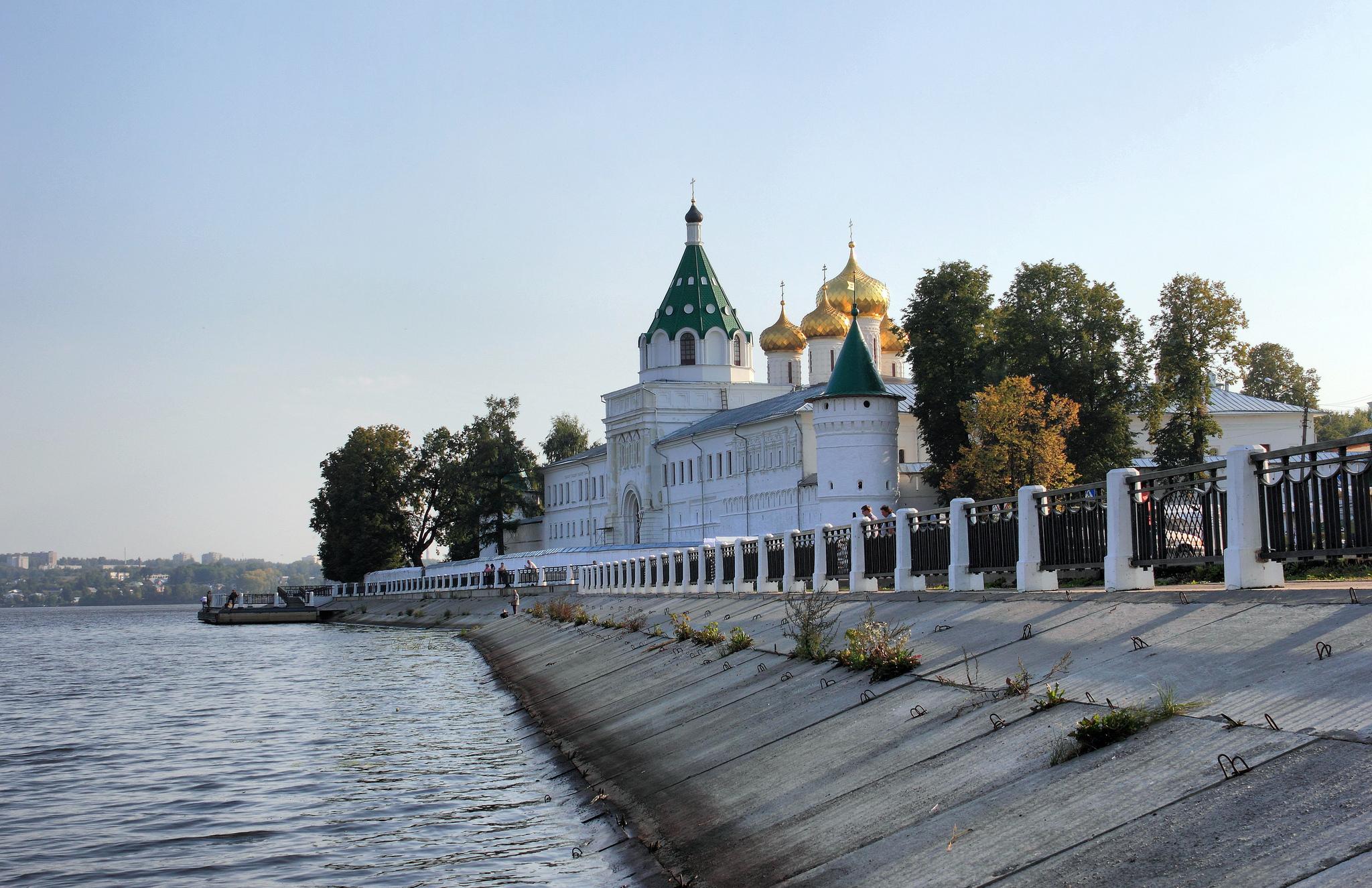 Ипатьевский монастырь, река Кострома, Кострома