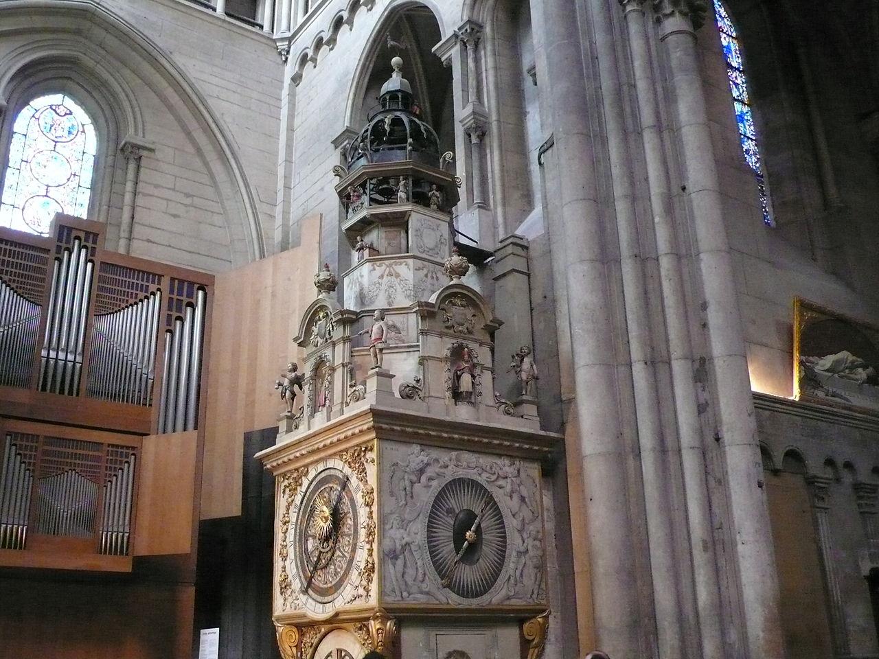 Собор Сен-Жан, астрономические часы XIV века