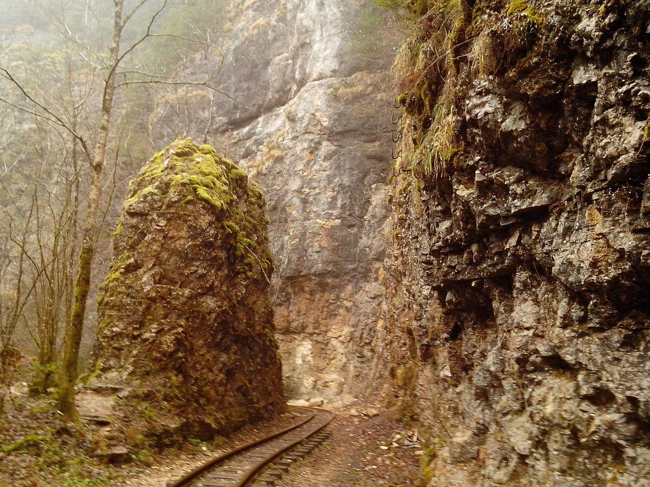 Среди скал Гуамского ущелья