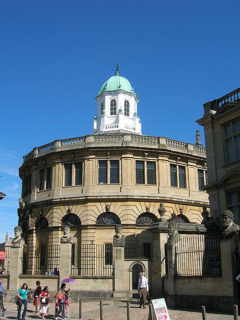 Шелдонский театр Оксфордского университета.jpg