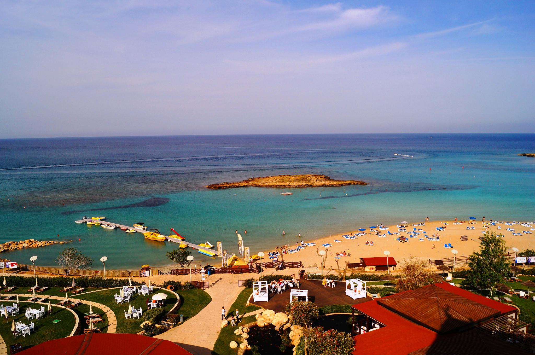 Вид на бухту Фиг-Три на Кипре
