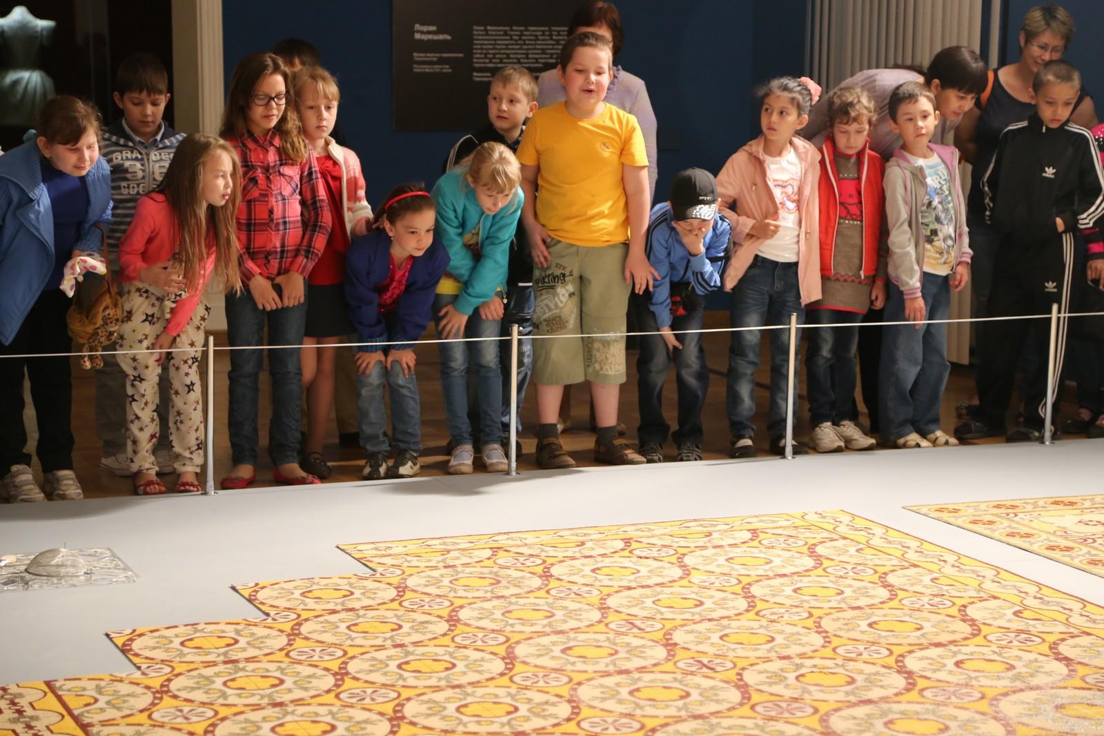 Детская экскурсия по выставке «Премия Джамиль 3»