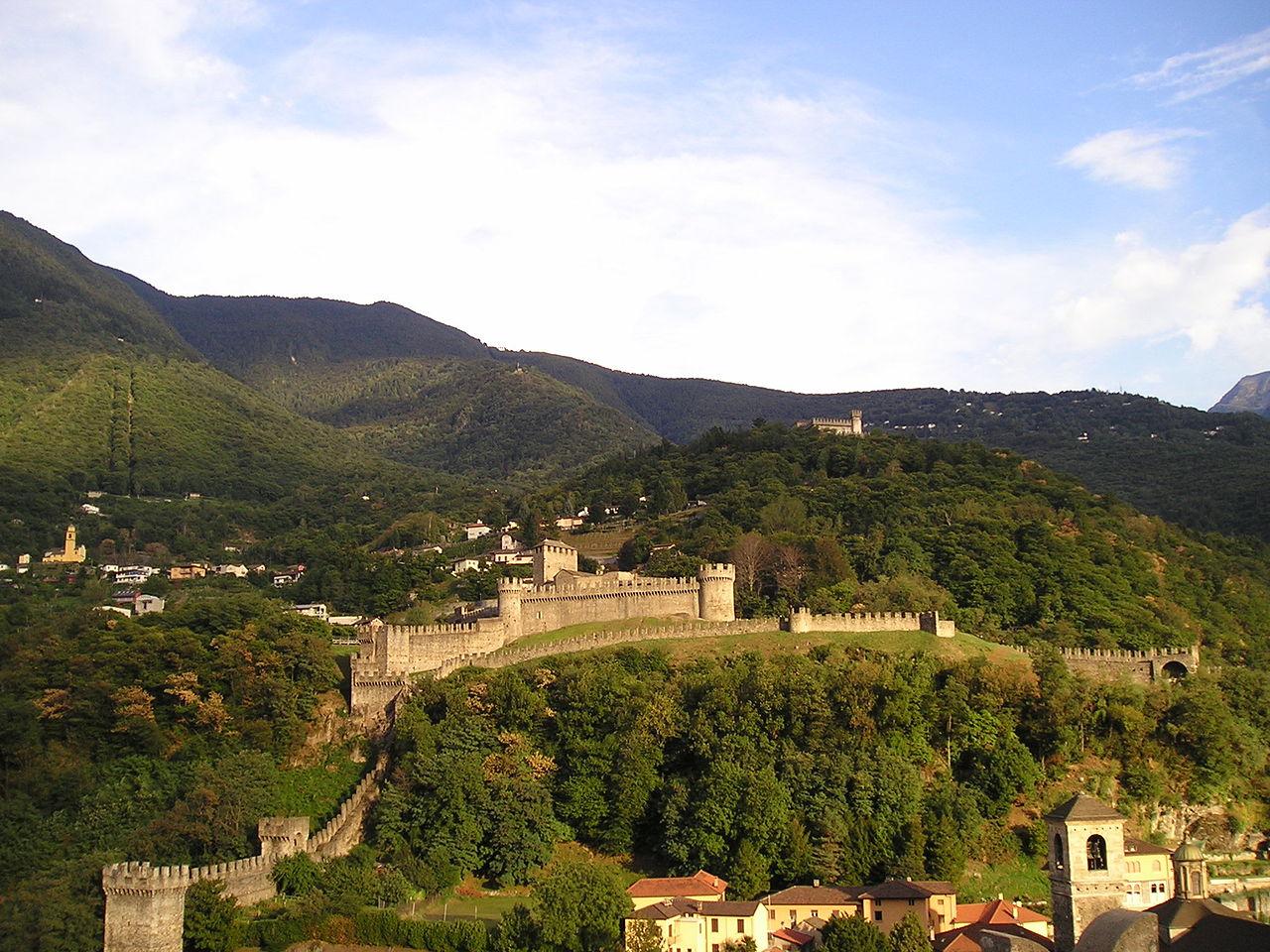 Замок Монтебелло, Швейцария