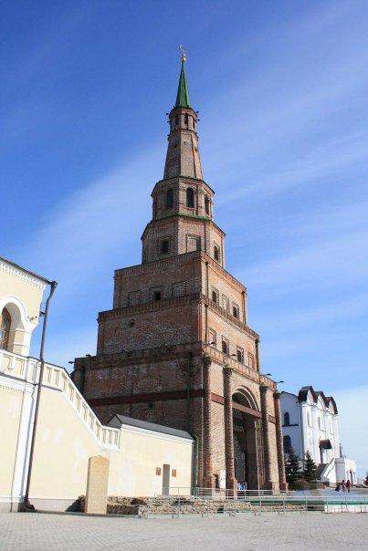 Знаменитая башня Сююмбике, Казань