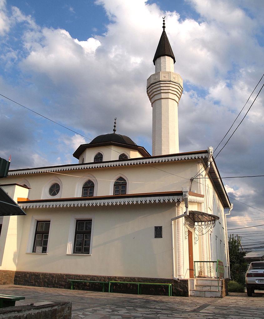 Мечеть Кебир-Джами в Симферополе, двор
