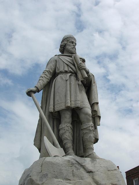 Статуя Альфреда Великого в Оксфорде.jpg