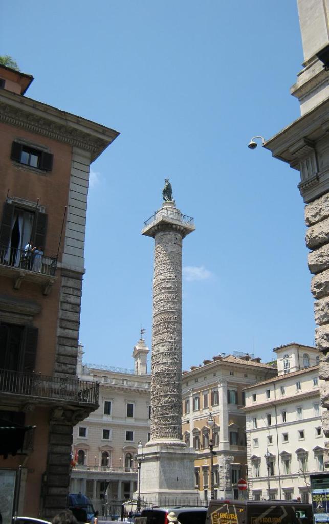 Колонна Траяна в Риме.JPG