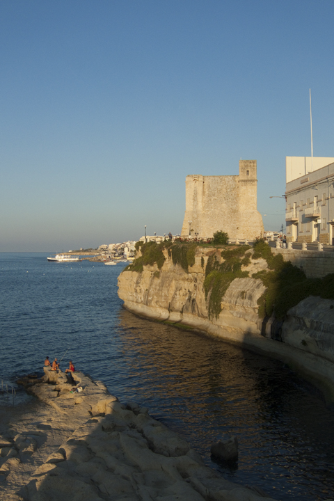 Башня Виньякура, Сент-Полс-Бэй, Мальта.jpg