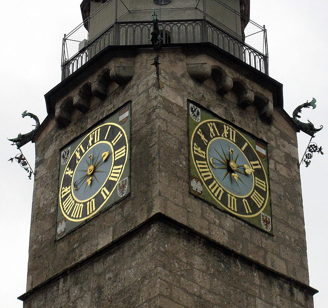 Городская башня Инсбрука, часы