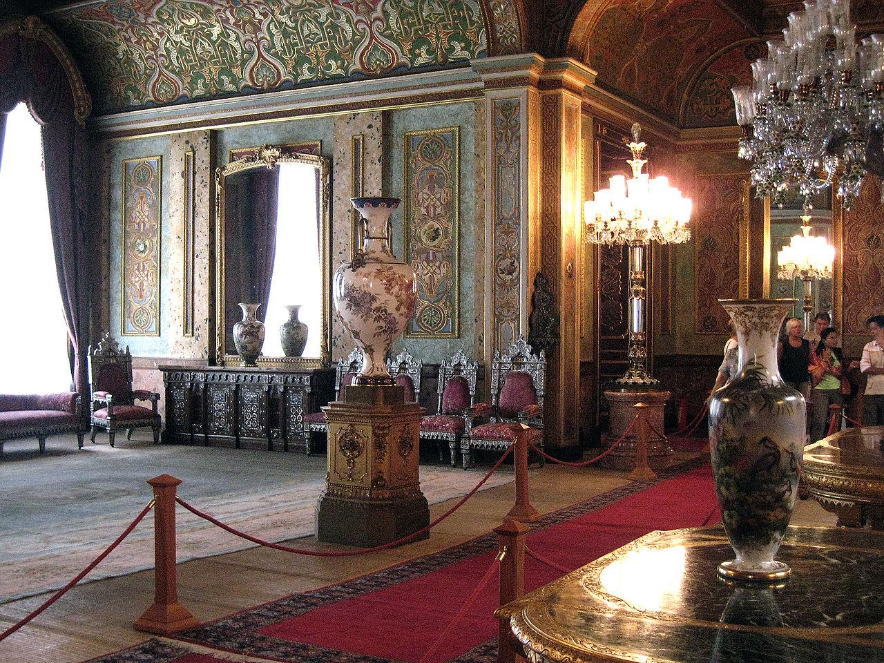 Дворец Бейлербейи, интерьер