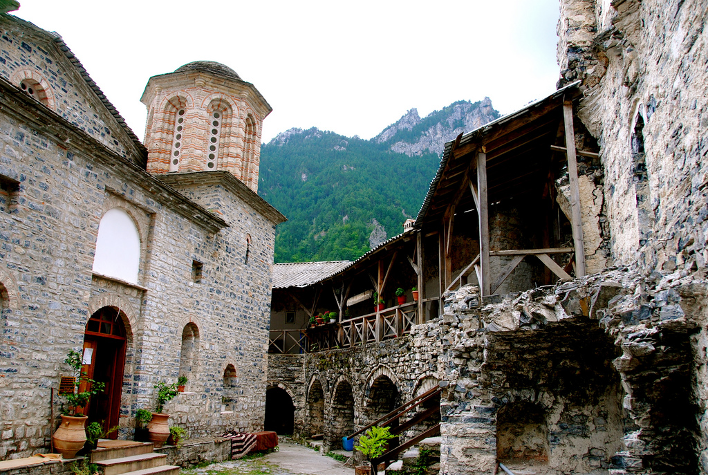 Внутри монастыря Святого Дионисия, Гора Олимп