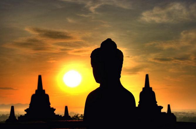Храм Боробудур на закате
