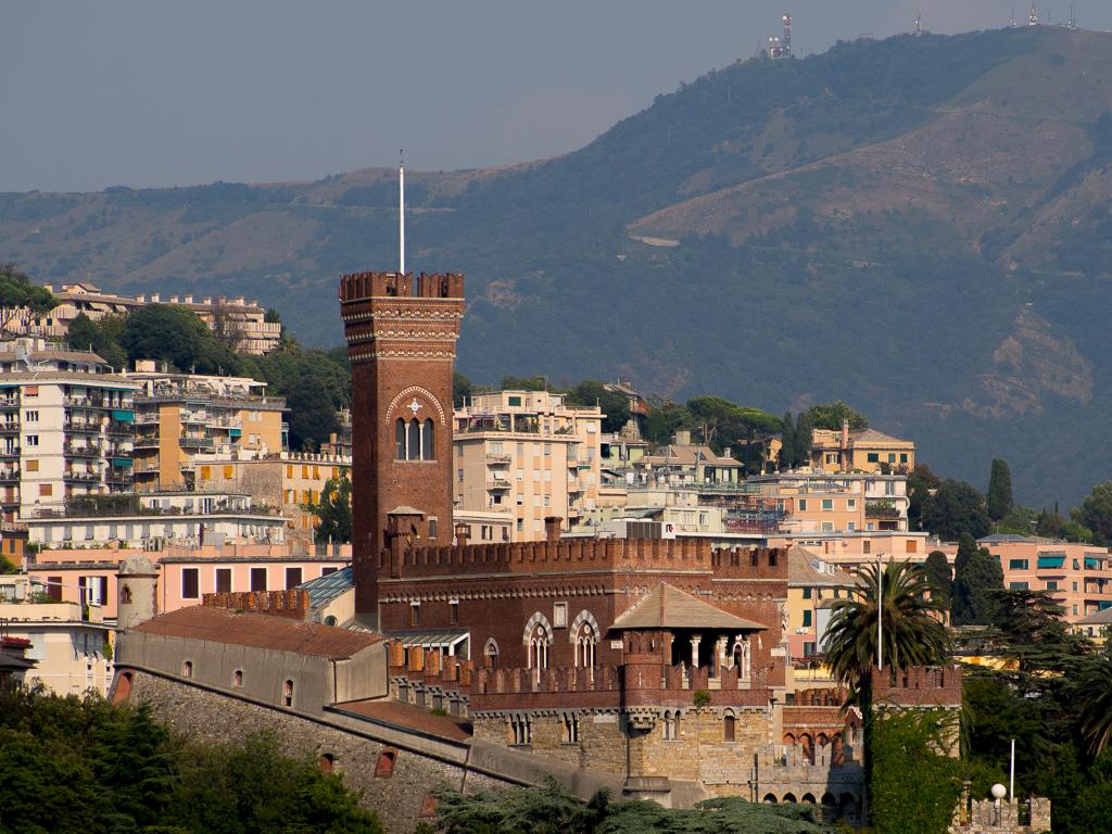 Замок Альбертис