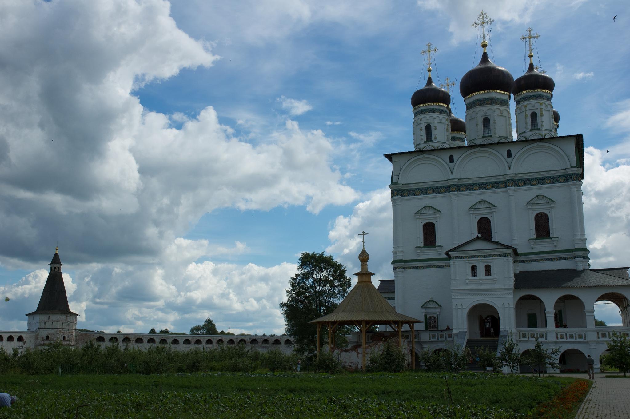 Окрестности Иосифо-Волоцкого монастыря, Московская область
