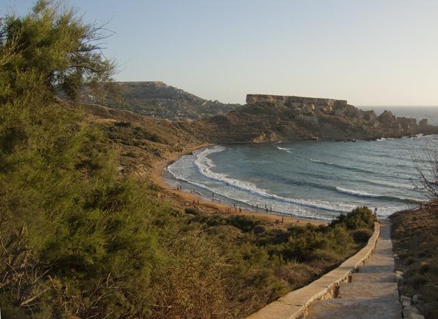 Пляж Айн Туффиха, Мальта (лето).JPG