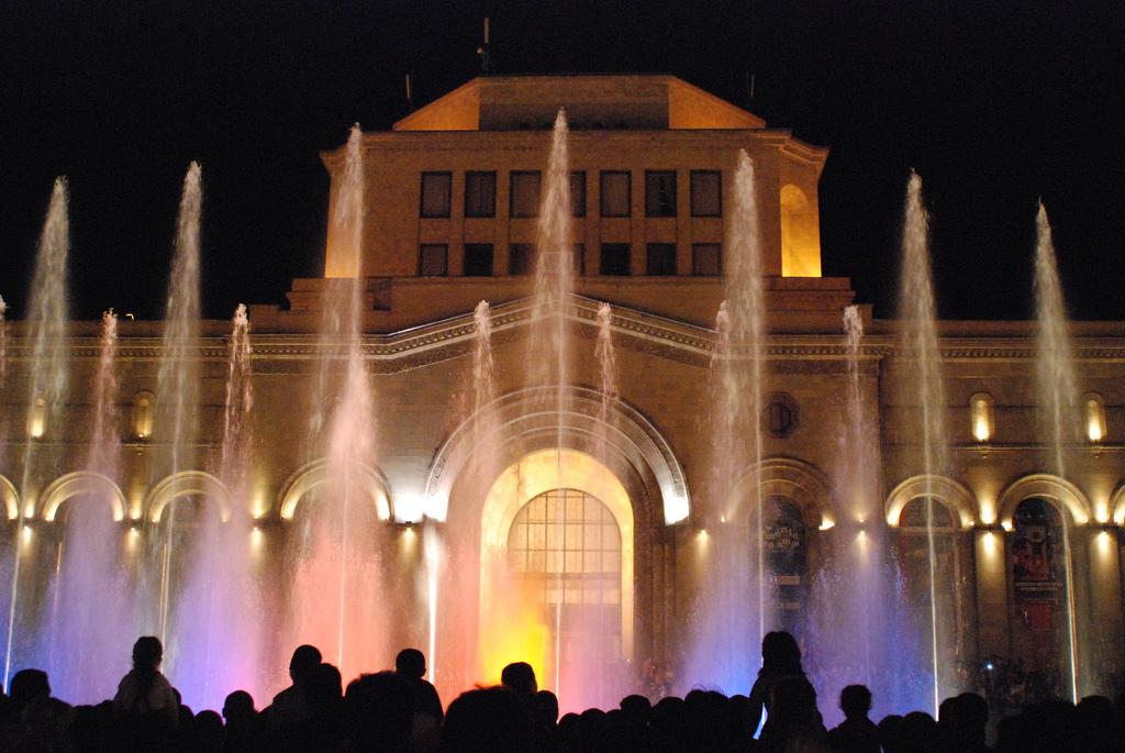 Поющие фонтаны, Ереван