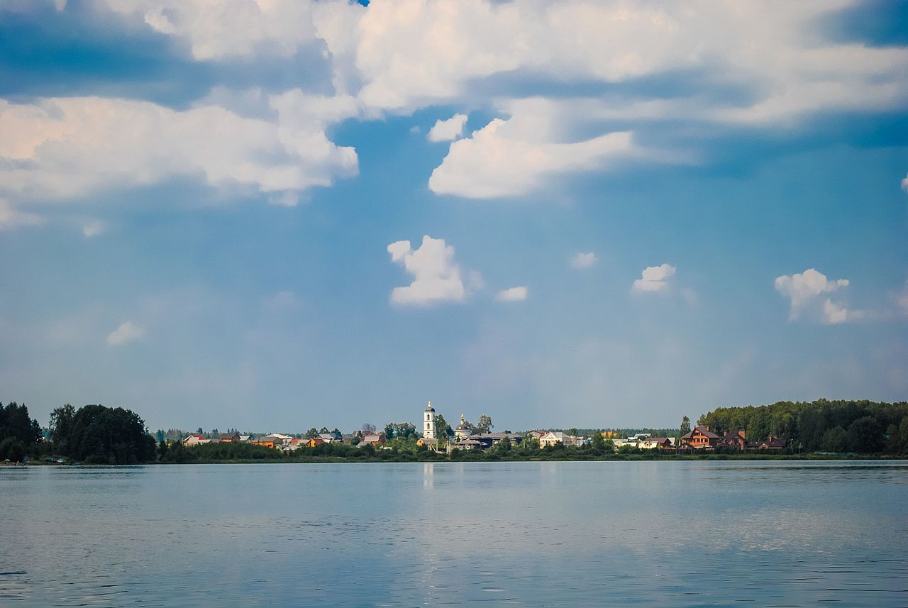 Церковь Богоявления Господня у озера Бисерово