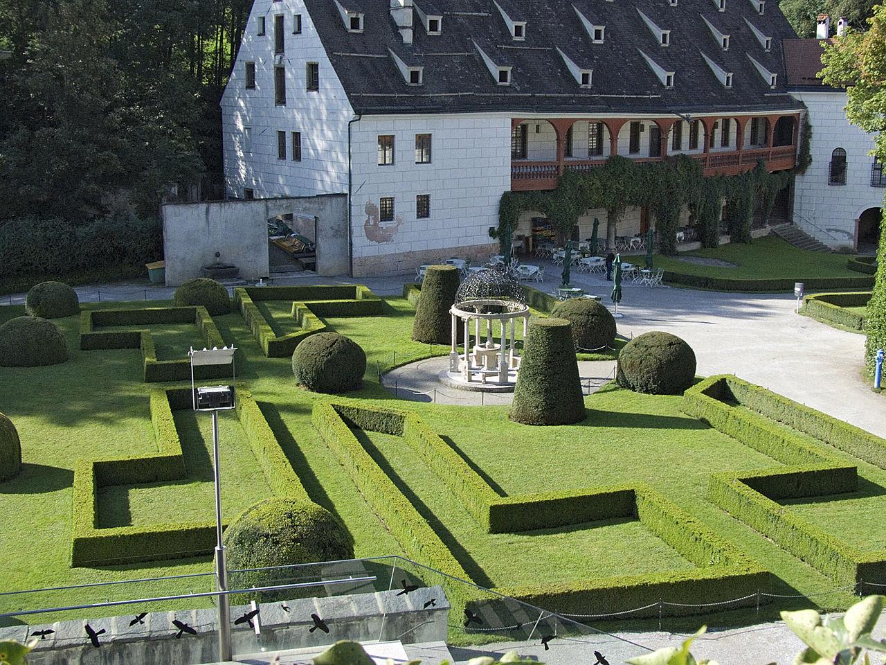 Замок Амбрас, сад