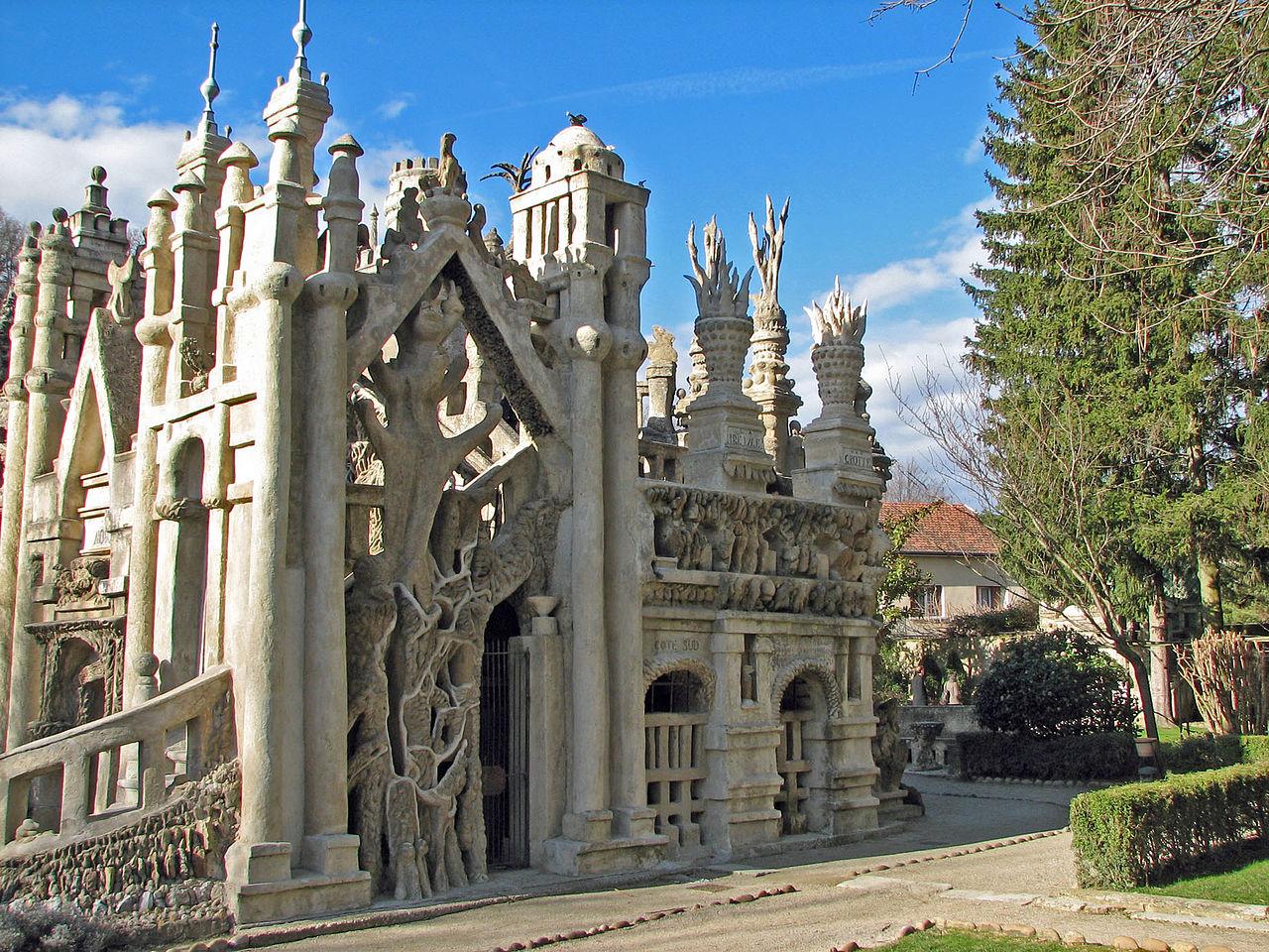 Идеальный замок Фердинанда Шеваля, южная сторона
