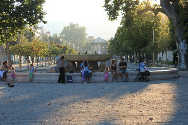 Один из фонтанов в городском парке, Неаполь.jpg