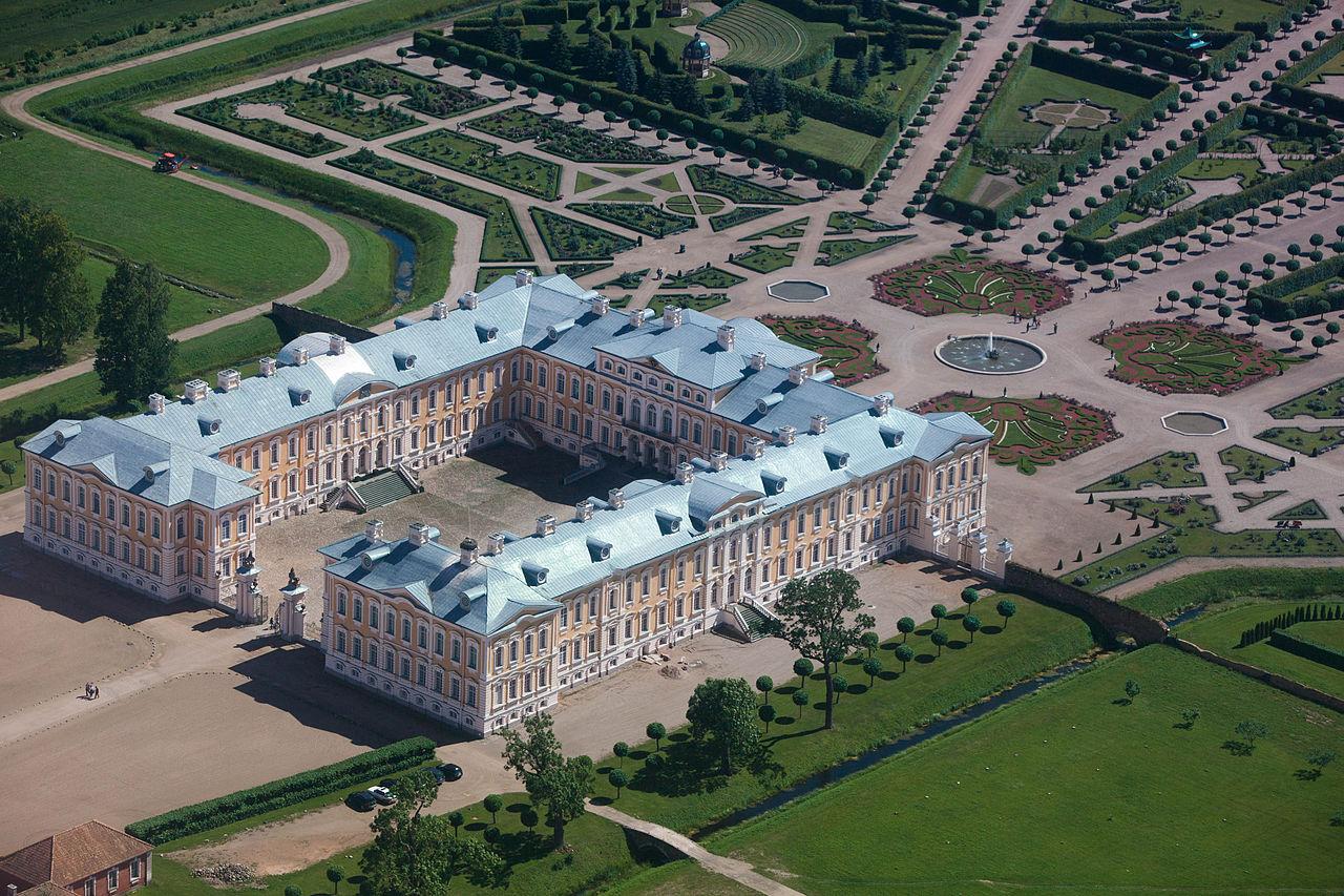 Рундальский дворец, вид с воздуха