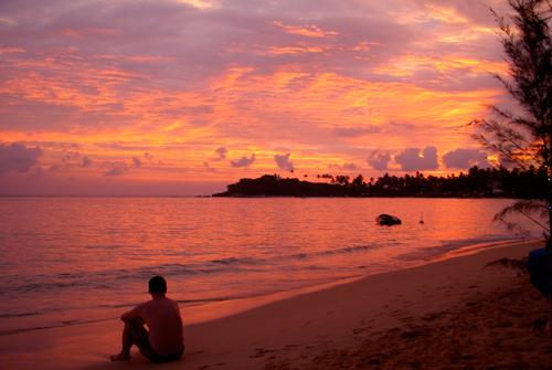 Закат на пляже Унаватуна.jpg