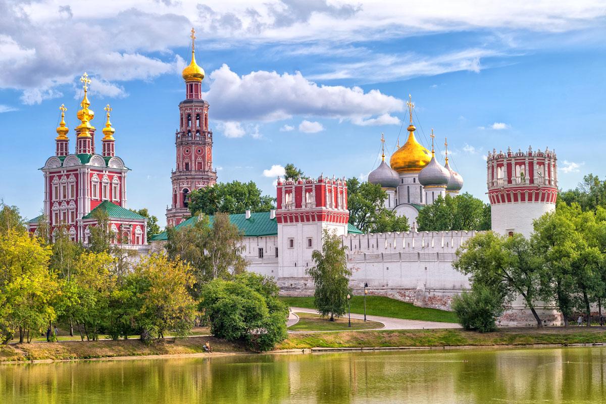 Красивый вид на Новодевичий Монастырь, Москва