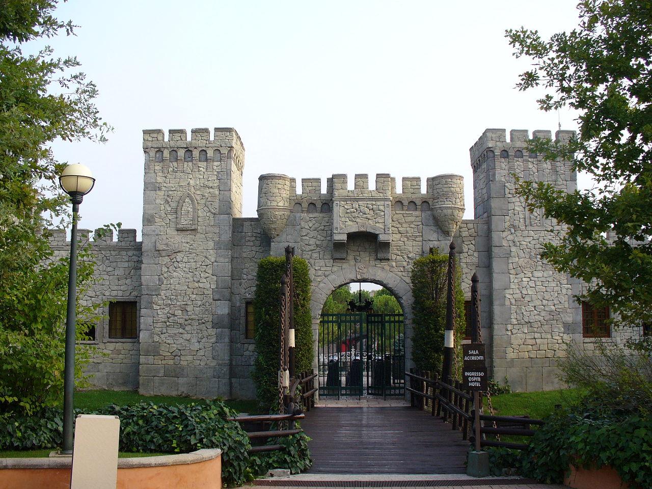 Гардаленд, замок