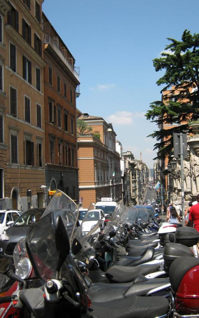 Мотоциклетное безумие в Риме