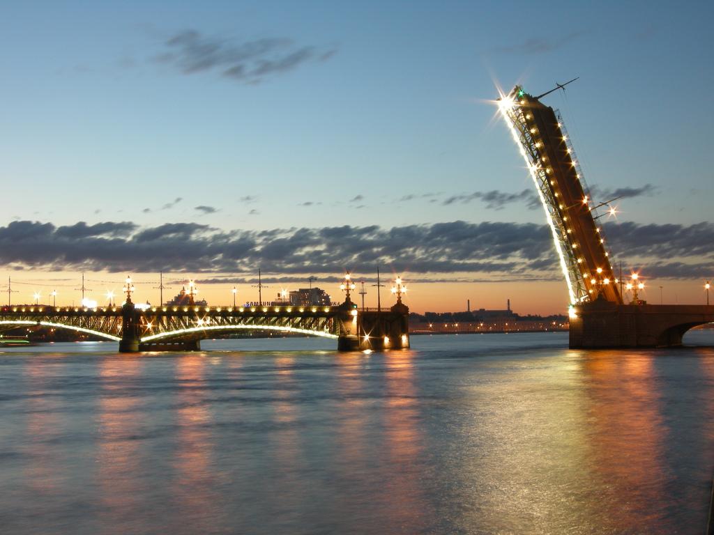 Троицкий мост Петербург
