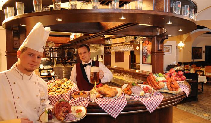 5 симпатичных и недорогих отелей в Праге Ambassador Zlata Husa 6.jpg
