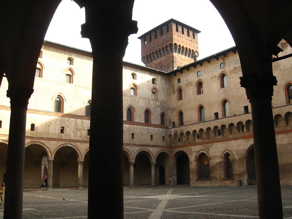Коридоры замка Сфорца, Милан