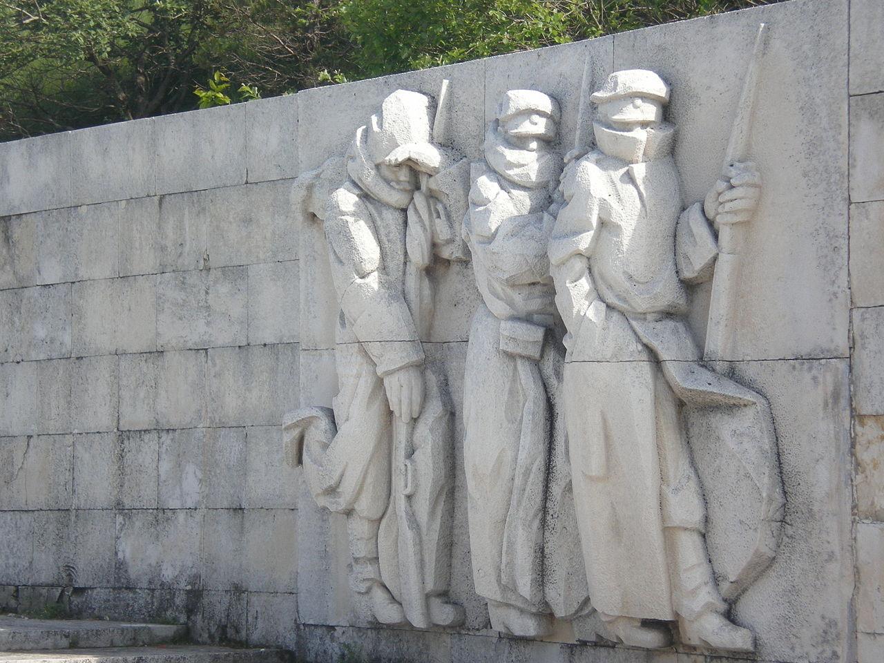 Шипкинский перевал, скульптурная композиция