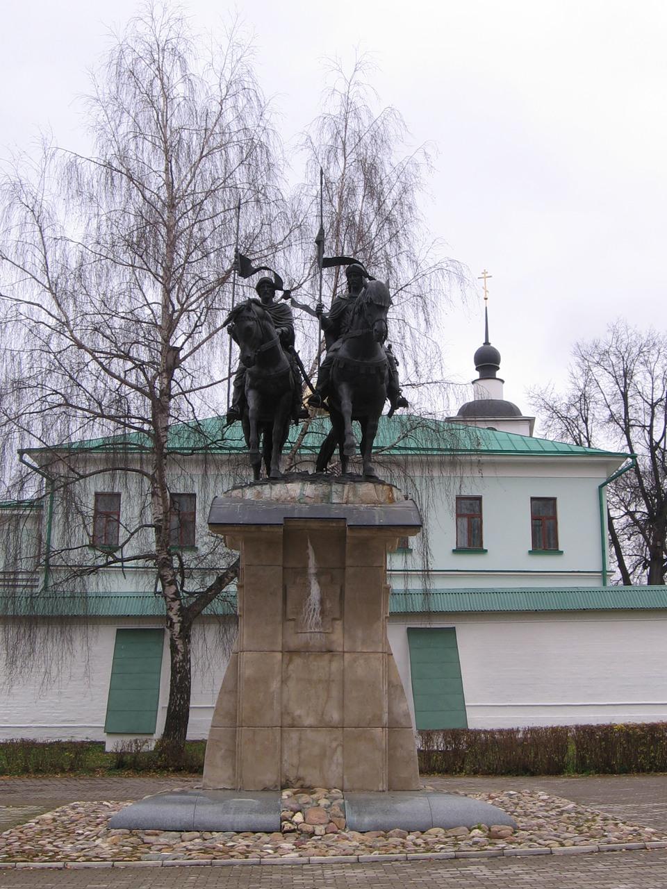 Борисо-Глебский монастырь, памятник Борису и Глебу
