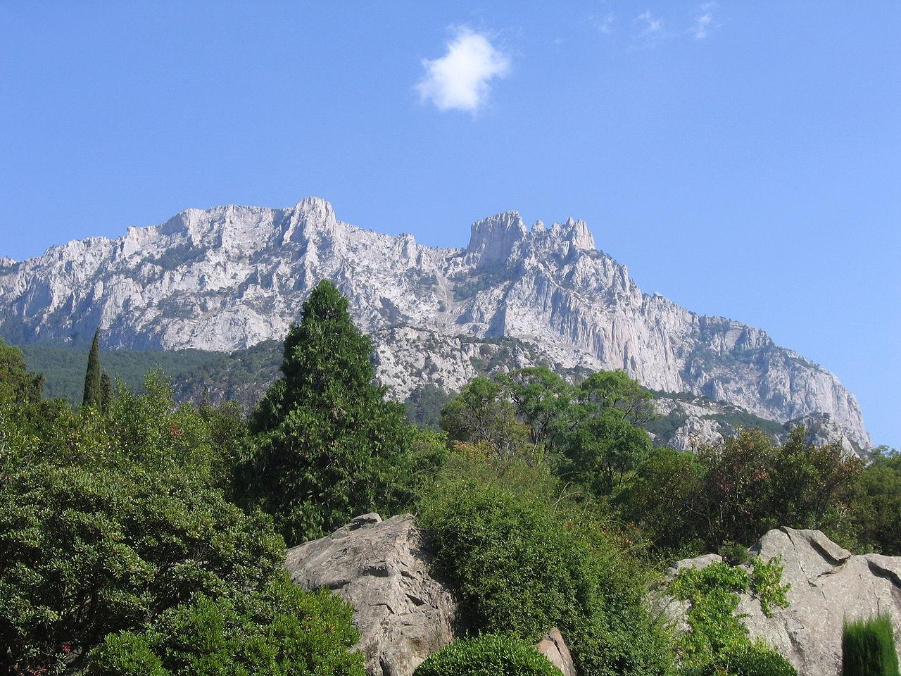 Гора Ай-Петри в ясную погоду