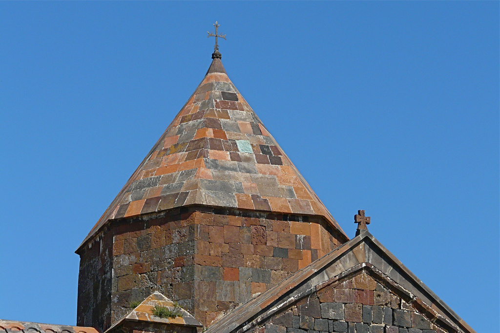 Купол монастыря Севанаванк